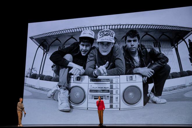 Адам Хоровиц и Майк Даймонд в Beastie Boys Story, премьера которых состоится на Apple TV + 24 апреля.