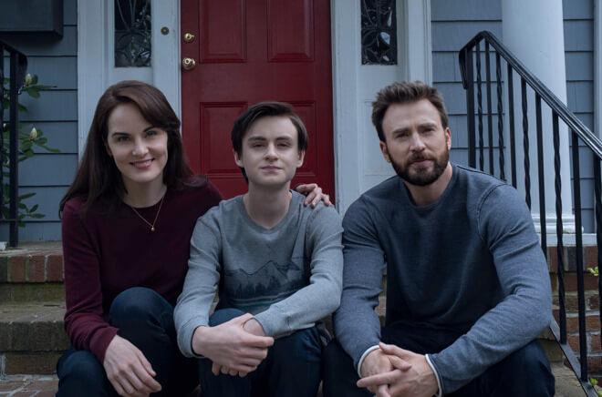 Мишель Докери, Джеден Мартелл и Крис Эванс в фильме «Защищая Джейкоба», премьера которого состоится 24 апреля на Apple TV +.
