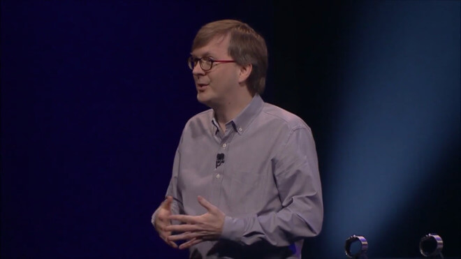 Кевин Линч демонстрирует оригинальные Apple Watch