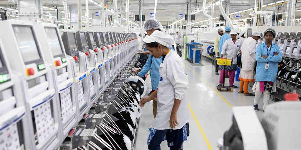 Сборка iPhone в Индии сильно сорвана из-за китайского спора