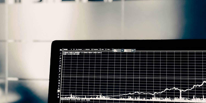 Запасы технологических компаний выросли (AAPL + 4%) на предпродажных торгах