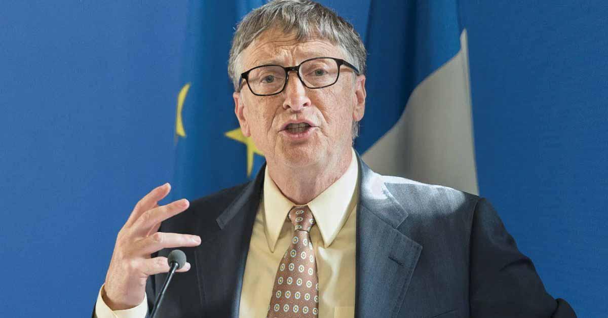 Билл Гейтс объясняет, почему он все еще предпочитает Android iPhone во время интервью Clubhouse.
