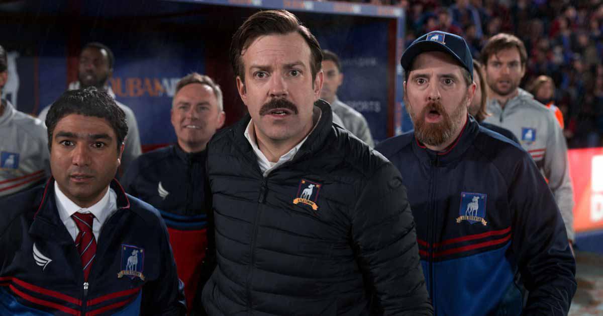 «Тед Лассо» получил три номинации на премию WGA, поскольку производство 2 сезона продолжается