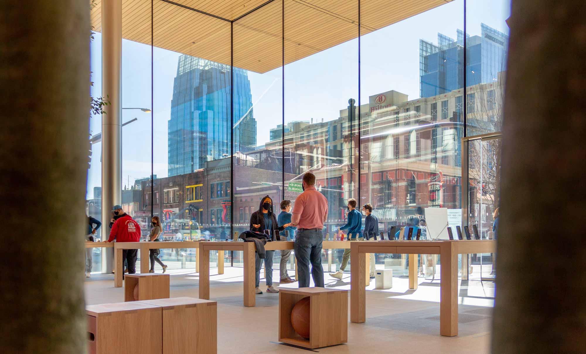 Apple Downtown Nashville с видом на город