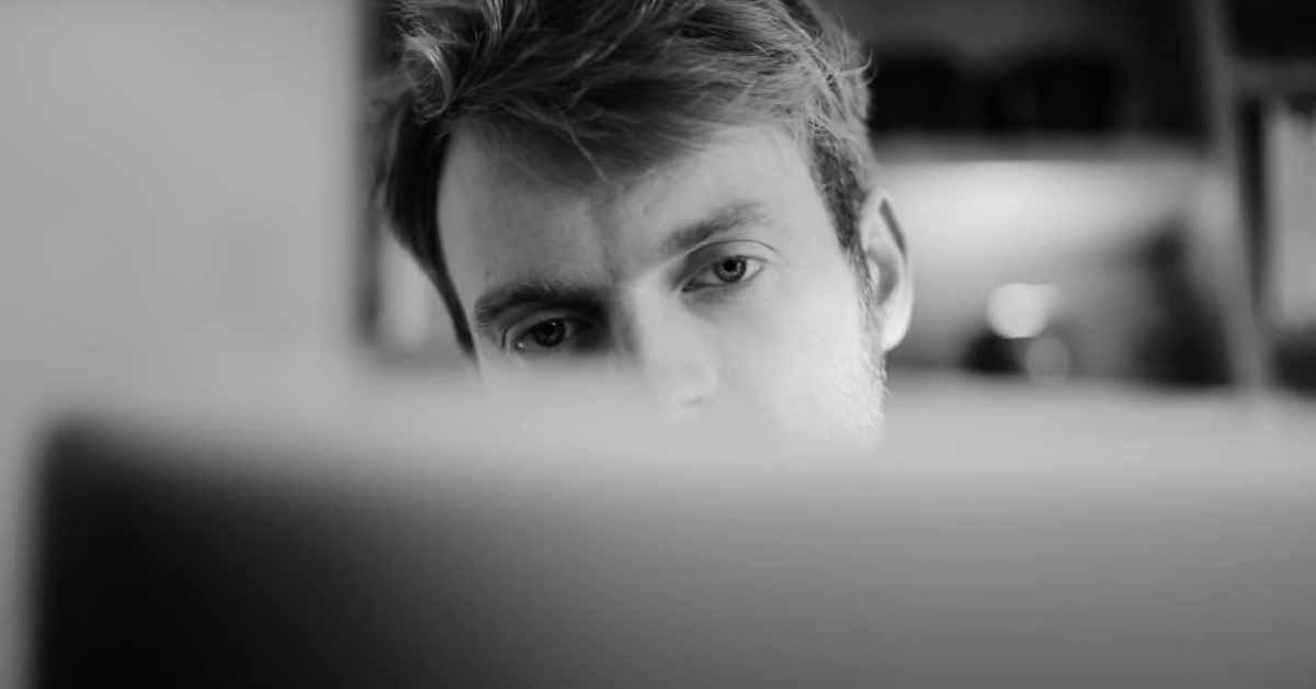 Apple поделилась двумя новыми рекламными роликами «За Mac»
