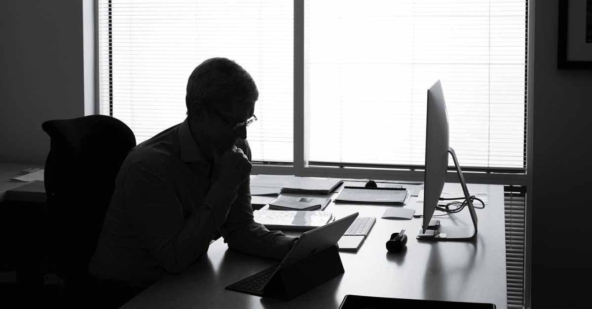Тим Кук обращается к Стиву Джобсу в памятной записке компании по случаю 45-летия Apple
